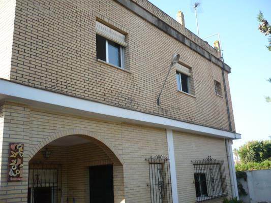chalets venta in mairena del aljarafe urbanización el almendral